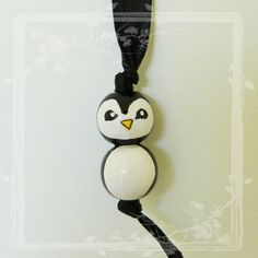 Puce d'Amour en Bois  Pingouin par FaitByMe sur Etsy, €2.50
