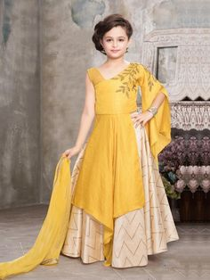 More than 100 western dresses for girls style , Frock Design, Baby Dress Design, Frocks For Girls, Gowns For Girls, Little Girl Dresses, Girls Dresses Sewing, Lehenga Designs, Kids Lehenga Choli, Lehenga Suit