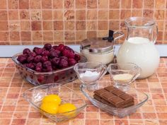 Шоколадное суфле с вишневым соусом Dairy, Pudding, Cheese, Cooking, Desserts, Recipes, Food, Kuchen, Baking Center