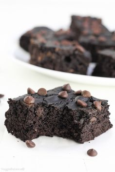 Black Bean Brownies recipe is the surefire way to satisfy that chocolate craving in a healthy manner with flourless brownies. {Gluten-Free, Dairy-Free }