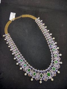 Diamond Necklace Set, Diamond Jewelry, Beaded Necklace, Emerald Diamond, Gold Necklace, Gold Jewelry Simple, Simple Necklace, Gold Jewellery Design, Diamond Design