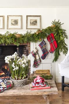 Make your season both merry and bright with these best DIY Christmas decorations. Not only are our homemade Christmas decor ideas easy, but they're also fun to make, from wreaths to trees and more. Metal Christmas Tree, Tartan Christmas, Tabletop Christmas Tree, Christmas Mantels, Christmas Home, Homemade Christmas, Christmas Holidays, Christmas Stockings, Christmas Ornaments