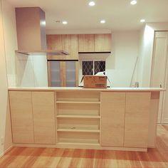 3LDKで、家族の、キッチン/ナチュラル/北欧/カフェ風/タマホーム/LIXIL アライズについてのインテリア実例。 「キッチンぱしゃり⭐️...」 (2019-04-17 11:56:37に共有されました) Kitchen Design, Divider, Loft, House, Furniture, Home Decor, Decoration Home, Design Of Kitchen, Home
