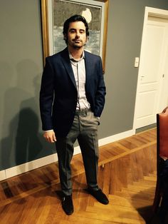 Ernesto Jr Diaz-Bastien from DIAZ-BASTIEN ABOGADOS is looking like a million bucks - mixing his LGFG Fashion House jacket and pants from our Tokyo line.