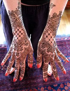 Google Image Result for http://abbiemcgilvery.files.wordpress.com/2011/07/henna2.jpg