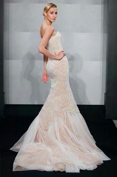 Mermaid style wedding dress.