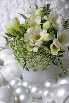 Wedding + freesia + bouquet