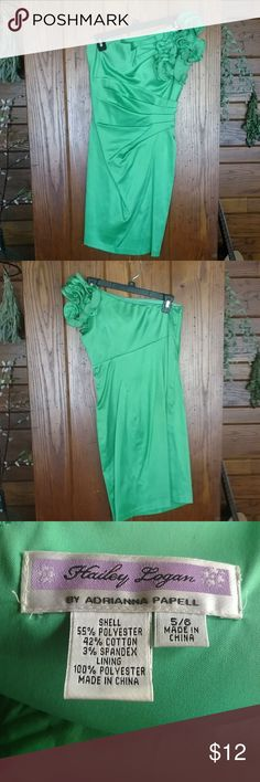 Kelly green dress Kelly green one shoulder dress Hailey Logan Dresses One Shoulder