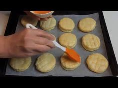 Zemiakové pagáče - YouTube Biscuits, Food And Drink, Gluten, Cooking Recipes, Ale, Cookies, Cooker Recipes, Ale Beer, Cookie