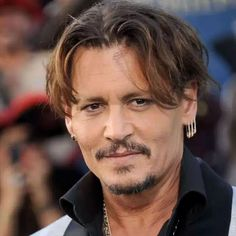 Hollywood Superstar Johnny Depp's Biography And Latest Info 2