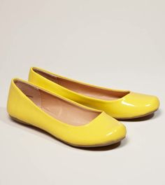 #AEO Patent Flats in Yellow - the toes on these are adorable