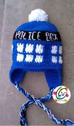 Free beanie pattern for Dr. Who fans. This makes a cute school bus too.