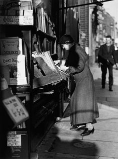 Charing Cross Road, Beaumonts, London, 1937 -Wolf Suschitzky