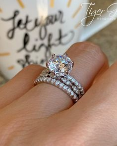 42 Top Round Engagement Rings: Best Rings Ideas %%page%% %%sep%% %%sitename%% Diamond Rings, Gold Rings, Wedding Rings, Gold Wedding, Beautiful Engagement Rings, Rings Cool, Or Rose, Marie, White Gold