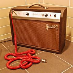 Recording Studio Engineer reveals the top 5 tips for making your electric guitar recordings kick arse! Skylark, Pedalboard, Vintage Guitars, Recording Studio, Studios, Circuits, Tips, Sydney, Instruments