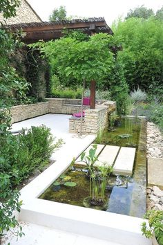View full picture gallery of Jardin Contemporain Backyard Water Feature, Ponds Backyard, Backyard Pergola, Backyard Landscaping, Pergola Ideas, Patio, Fish Pond Gardens, Back Gardens, Outdoor Gardens