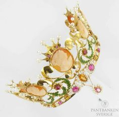 Bridal crown with stones, cameos and pearls 18K