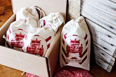 DIY Printed Fabric Gift Bags. <3