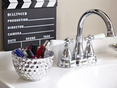 DIY Hollywood-Inspired Girl's Bathroom >> http://www.diynetwork.com/bathroom/hollywood-inspired-girls-bathroom/pictures/index.html?soc=pinterest