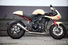 Garage Project Motorcycles : I'm really liking the use of colours in this...