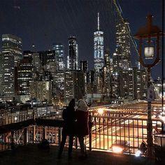 Friends  at Brooklyn Bridge