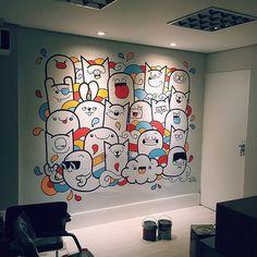 Illuminated and finished cuti-cutis. Doodle Wall, Cute Doodle Art, Doodle Art Designs, Doodle Art Drawing, Wall Drawing, Drawing Ideas, Graffiti Wall Art, Mural Wall Art, Diy Wall Art