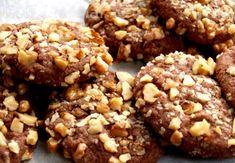 Sádelníčky s ořechy – Kulinář.cz Christmas Sweets, Christmas Candy, Cream Cheese Flan, Keks Dessert, Condensed Milk Cake, Sponge Cake, Sweet Desserts, Desert Recipes, Cheddar Cheese