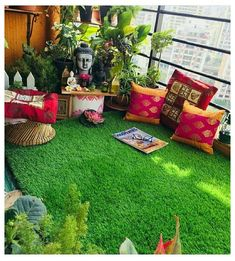 Pleasant collaborated screened porch design - Apartment Balcony Plants - Gardens are not merely for lawns Small Balcony Decor, Small Balcony Garden, Small Balcony Design, Balcony Plants, House Plants Decor, Terrace Garden, Big Garden, Dream Garden, Apartment Balcony Garden