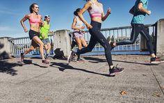 5 Steps to Better Running Form Pilates Training, Before Running, Running Tips, Good Running Form, Indoor Track, Long Distance Running, Body Hacks, Sports Training, Body Weight
