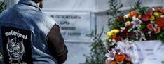 Πλήθος κόσμου αποχαιρέτησε τον Τζίμη Πανούση (εικόνες)