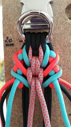 Paracord Bracelet Designs, Paracord Bracelets, Bracelet Tutorial, Paracord Weaves, Paracord Knots, Englisch Springer Spaniel, Swiss Paracord, Collar And Leash, Dog Collars