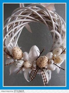 Easter on Stylowi. Easter Wreaths, Holiday Wreaths, Easter Parade, Diy Easter Decorations, Easter Holidays, Wreath Crafts, Easter Crafts, Easter Eggs, Creations