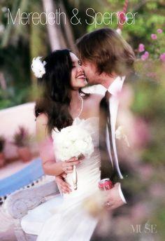 Bliss & Bokeh: a perfect combination. #musebride #hawaiiweddingphotography #weddingbokeh