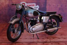 Miniature moto métal vintage Triumph Bonnevillesur Retro Wheels http://www.retrowheels.fr/miniatures-2-roues/305-miniature-moto-metal-vintage-triumph-bonneville.html