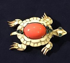 Vintage CROWN TRIFARI TURTLE Off-White Enamel & Coral Lucite Cabochon Pin Brooch