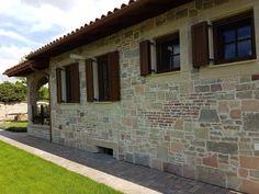 Házak, homlokzatok - Otti- burkolat,térkő,cementlap,kandalló,fedkő,lépcső,lábazat,kőkút Windows, Ramen, Window