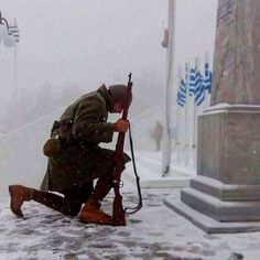 heroes fight like greeks. long live the greek nation! Greek History, European History, Winston Churchill, Greek Independence, Greek Soldier, Myconos, Greek Warrior, Army Wallpaper, Molon Labe