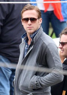 "Ryan Gosling & Carey Mulligan Feeding Ducks On Set Of ""Drive"""