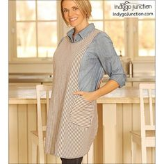 Indygo Junction's Crossback Reversible Apron pattern slips on over your head & is ideal for kitchen or garden work. Adult & child versions are included with multiple sizes for both. The crossback straps make fitting a breeze. Child Apron Pattern, Apron Pattern Free, How To Make Aprons, Japanese Apron, Sewing Aprons, Aprons Vintage, Vintage Sewing, Kids Apron, Apron Pockets