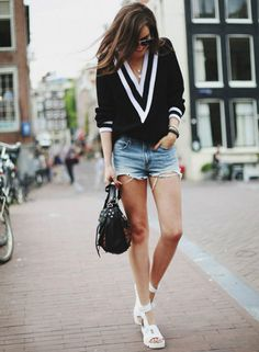 street-style-look-inverno-shorts-sueter-preto-plataforma