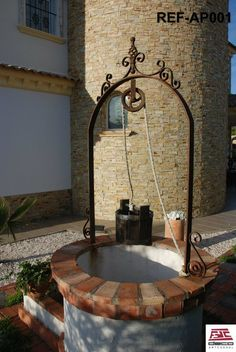 Arco de acero y forja para la decoración de pozos, colores en oxido o negro mate. www.decoartesanalfdc.com