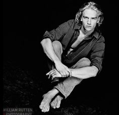 Antonie Kamerling by William Rutten Dutch Actors, Charlie Hunnam, This Man, Anton, Male Models, Blond, Naked, Black And White, Guys