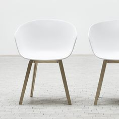 Via Houtmerk | Hay About A Chair | White and Wood