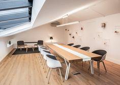 salle de réunion G.PIVAUDRAN design intérieur et design mobilier de la table de réunion SKYLIGHT / fabrication Lamellux