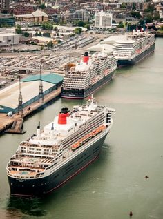 The 3 Queens in one port !! Oh How i miss the Qe2 !!