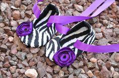 Hoi! Ik heb een geweldige listing gevonden op Etsy https://www.etsy.com/nl/listing/70125917/purple-zebra-print-baby-ballerina-shoes