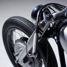 An extraordinary custom Yamaha XS650 built by the English workshop Auto Fabrica.