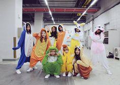 When your squad trying to act cool #sana #mina #jihyo #dahyun #chaeyoung #jeongyeon #nayeon #tzuyu #momo #jyp #twice #once