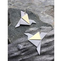Origami bird earrings   Origami lintu korvakorut  made by CherryAnn Suomalaista käsityötä/ Made in Finland www.madebycherryann.com Instagram @madebycherryann Facebook Made by CherryAnn