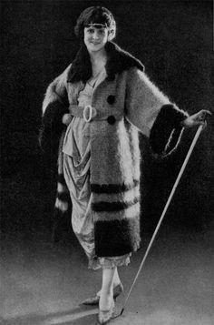 Vigola Flapper Era Evening Coat, Vintage Crochet Pattern, 1922